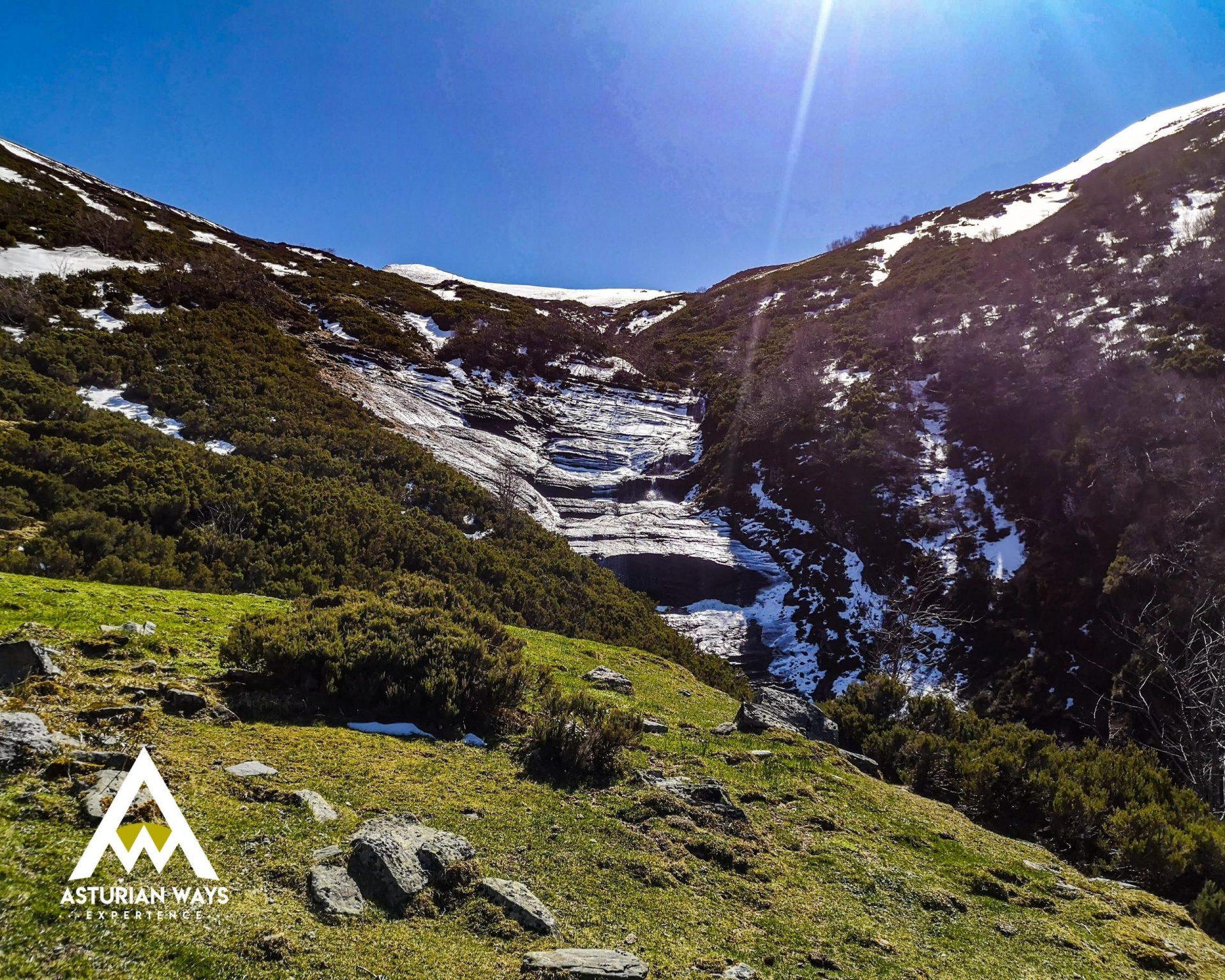 Cascada en el valle de Aller
